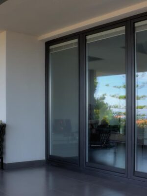 Velux integra finestre per tetti garden house for Finestre velux doppia apertura
