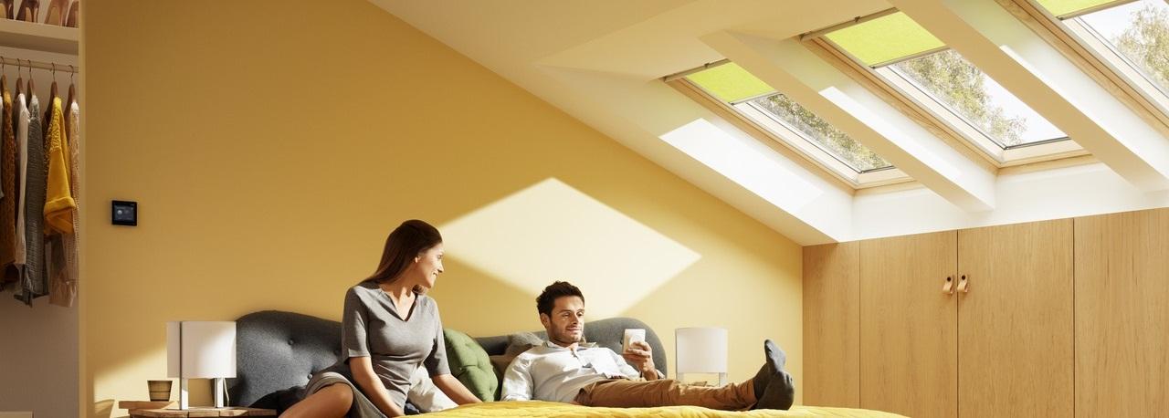 Velux integra finestre per tetti garden house for Velux shop finestre
