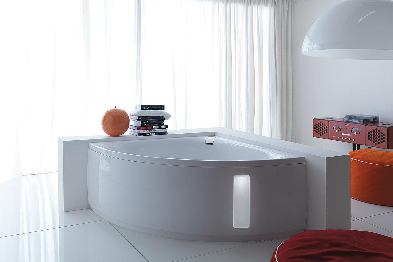Vasca Da Bagno Filo Piano : Spazi piccoli come inserisco una vasca? ci pensiamo noi! garden house