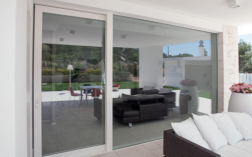 Oknoplast platinum garden house for Finestre velux condensa